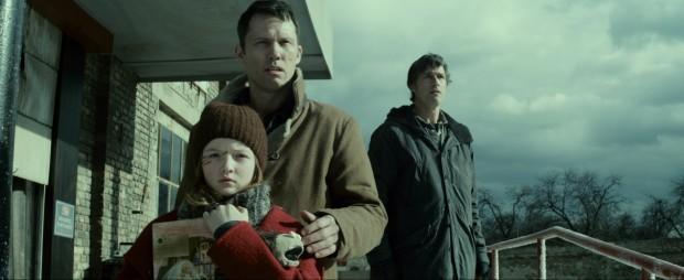 extinction-miguel-angel-vivas-mathew-fox-clara-lago-zombis-critiques-cinema-pel·licules-pelis-films-series-els-bastards-critica