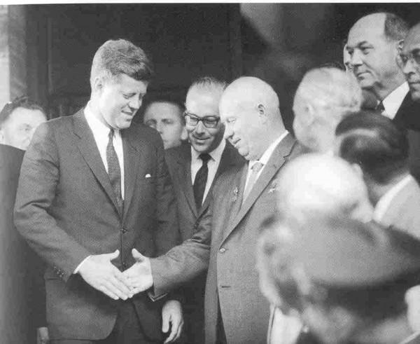 kruschev-y-kennedy-en-viena-en-junio-de-1961