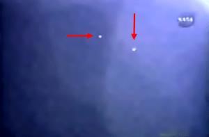 Dos de las cinco esferas que vieron en el STS-115.
