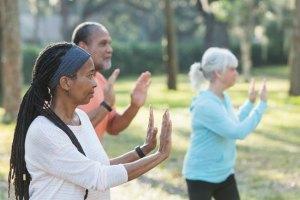 Praticar Tai chi regularmente preveniria quedas em idosos