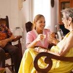 Tesis: Riesgos Ergonómicos de Cuidadores en Residencias Asistidas para Adultos Mayores en Lima-Perú