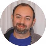 """Sylvain Knittel vive en el distrito 5 de París. Es miembro de la ACO de Francia y está casado con una colombiana que habla """"más dulce que los españoles""""."""