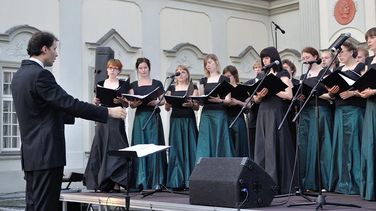 Band Directors Teaching Choir, choral conductor