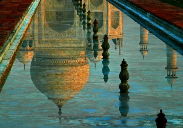t1-stacyboorn-taj-mahal-reflection-600x419