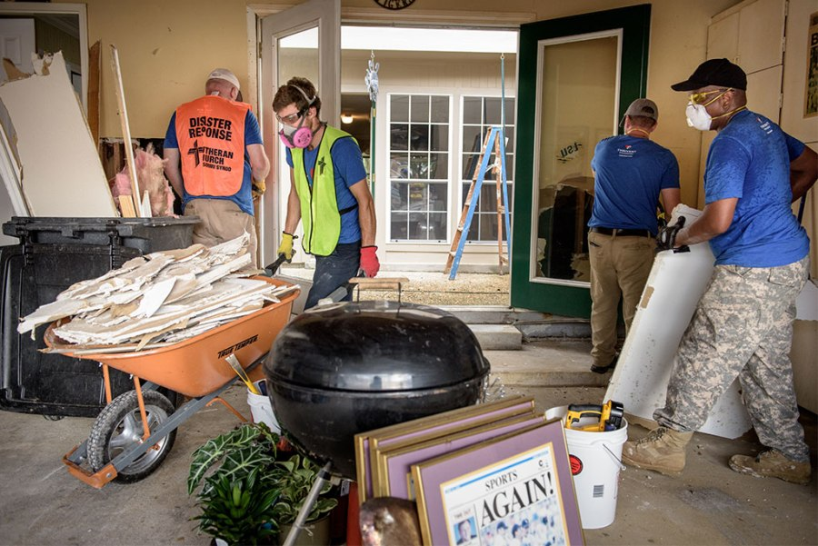photo-gallery-promo-louisiana-flood-cleanup-2016