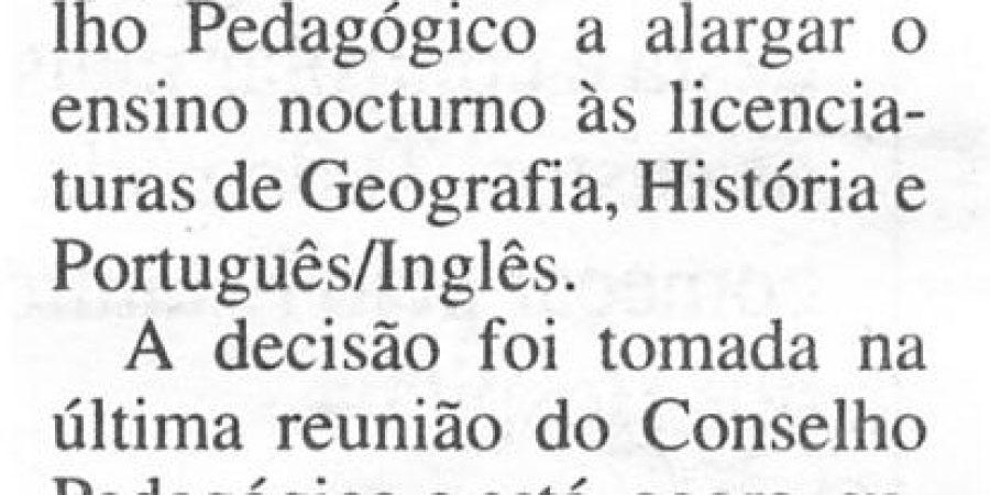 """(325) """"Mais aulas nocturnas em Letras"""" - 1996 05 30 DNoticias ...-70r"""