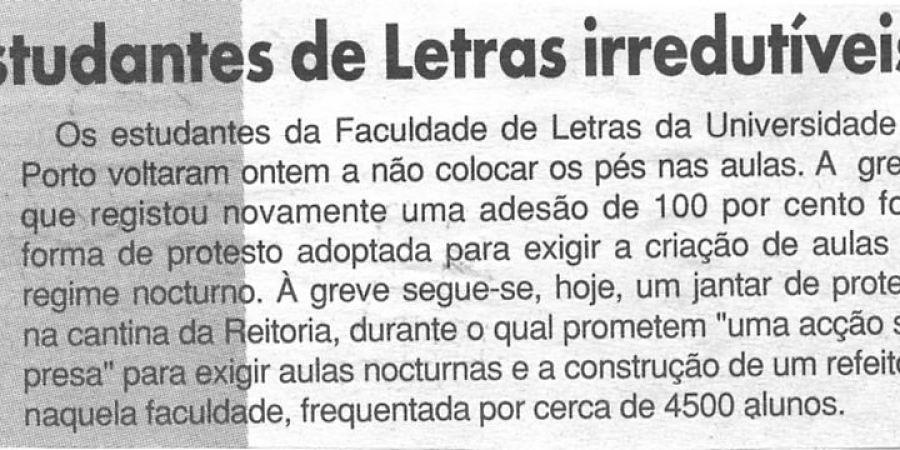 """(97) """"Estudantes de Letras irredutíveis"""" - 2000 03 02 CManha 44-30r"""