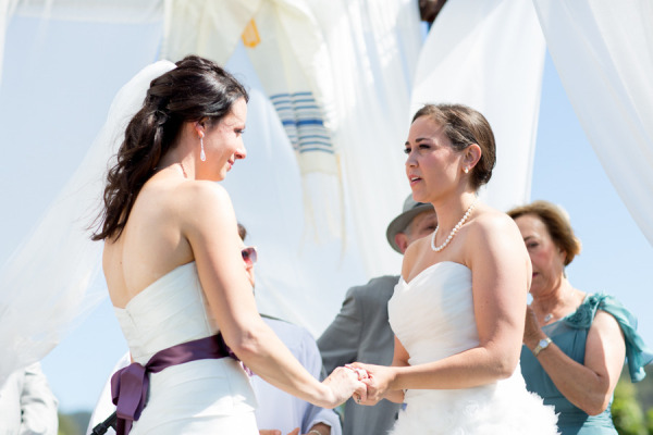 17 mariage gay femmes - Michael and Anna Costa Photographer Ltd - LaFianceeduPanda.com