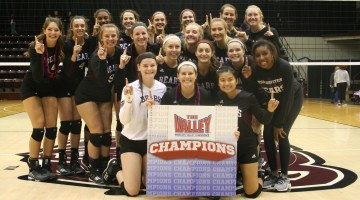Volleyball claims outright MVC title with sweep of Drake