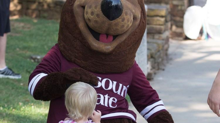 Social Media Kit: Homecoming 2015 – Bears Breaking Barriers