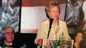 Jean Carnahan speaking at ceremony
