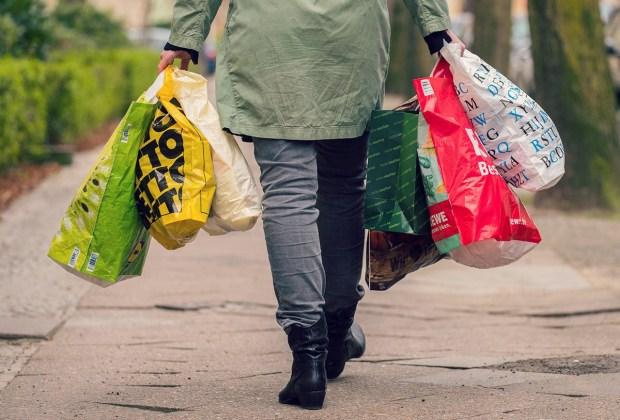 Einkaufstüten soweit das Auge reicht : Foto: NABU/S. Hennigs