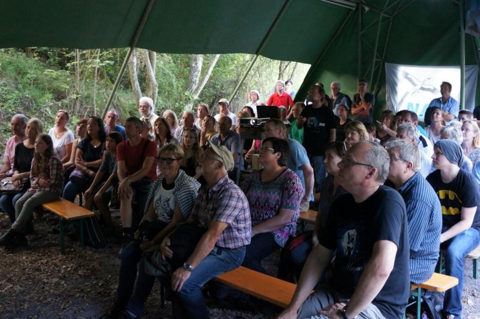 Über 350 Fledermausfans besuchten die NABU-Batnight 2015 in Mayen - hier den Vortrag von Andreas Kiefer. Foto: NABU/S. Kolberg