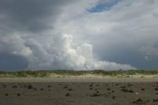 Wolkentürme über Trischen (Foto: Tore J. Mayland-Quellhorst).