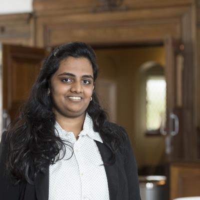 Profile image of international student Nidhi