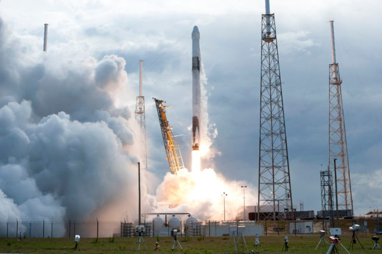 A SpaceX Falcon 9 rocket lifts off from Space Launch Complex 40 at Cape Canaveral Air Force Station in Florida at 4:30 p.m. EDT on April 2, 2018.