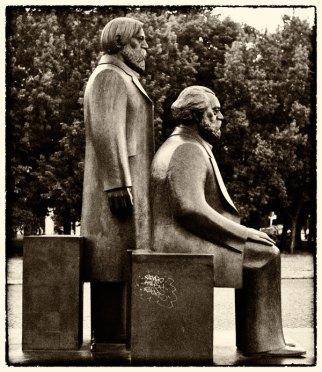 Marx und Engels. Foto: Hufner