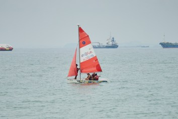 Briefing by the sailing coach in an open sea.