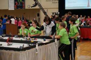 "Coastal team ""SNL"" competes at the FLL Championship Tournament"