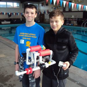 8th graders from North Bend Middle School Science Club get ready to compete with their SeaPerch ROV