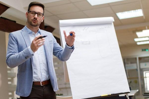 blockchain-strategy-meeting