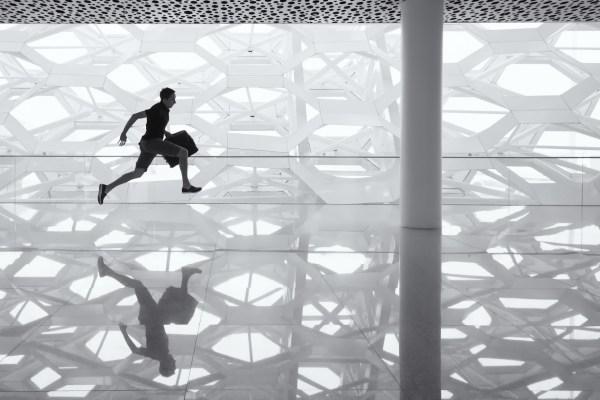 Abstract Runner@1x.jpg
