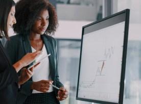 Women Discussing Data