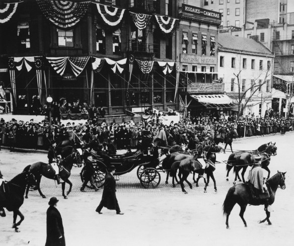 Wilson_inaugrual_parade_1913_MC178_Box_445