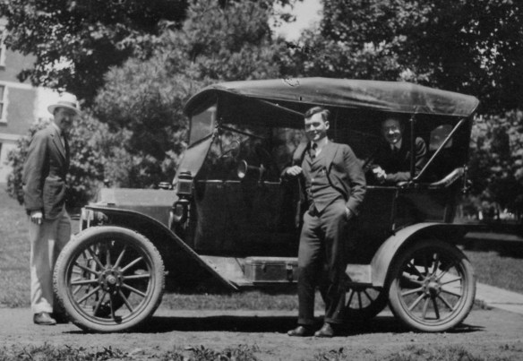 3_with_car_ca1920s_AC112_BoxSP14_Item_3412