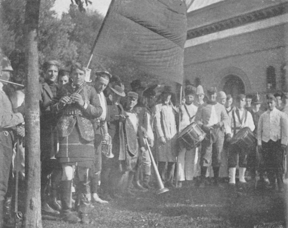 1897_Senior_Parade_1899_Bric