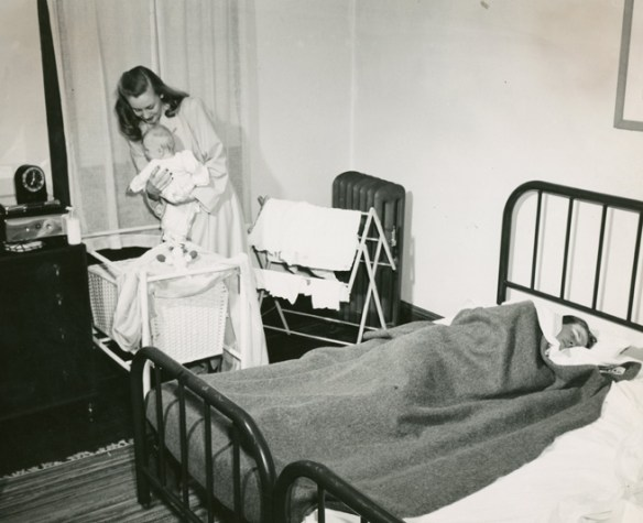 Baby_and_parents_Feb_1946_AC112_Box_MP166_Image_6054