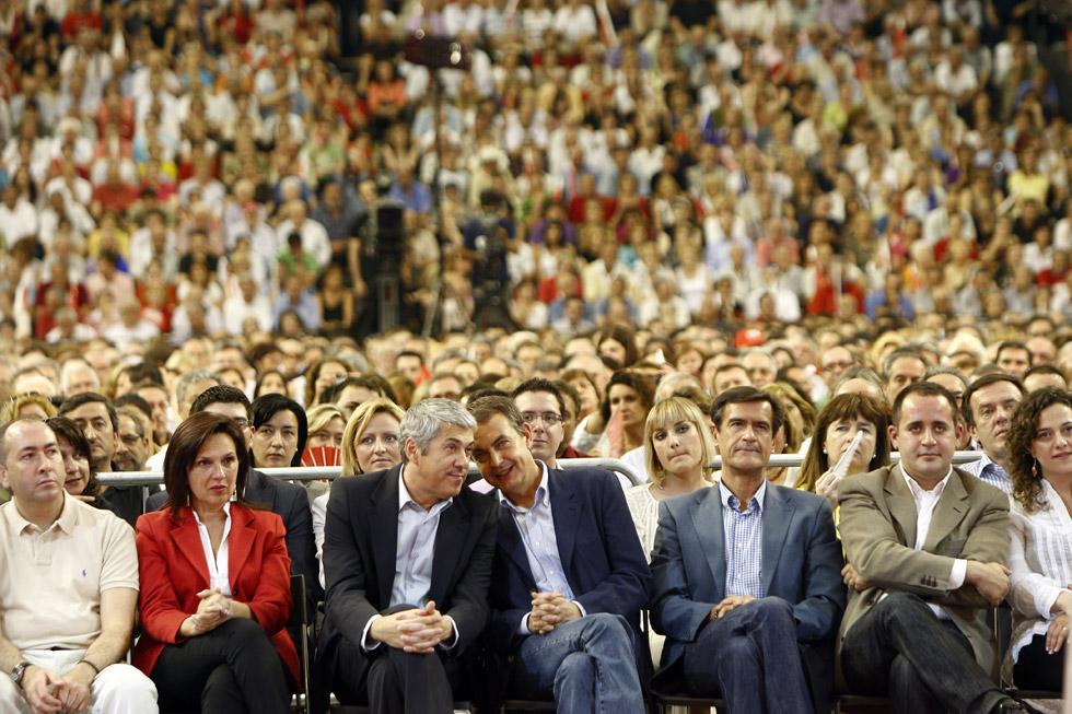 Mitin central de la campaña Europea del PSOE en Valencia. (23/05/2009) / Levante EMV/Miguel Angel Montesinos