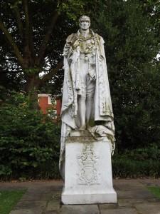 Statue of Sir Rufus Isaacs, Eldon Square, Reading. Photo: Peter Kruschwitz.