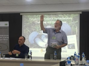 EMA president, David Minter; hands up for conservation!