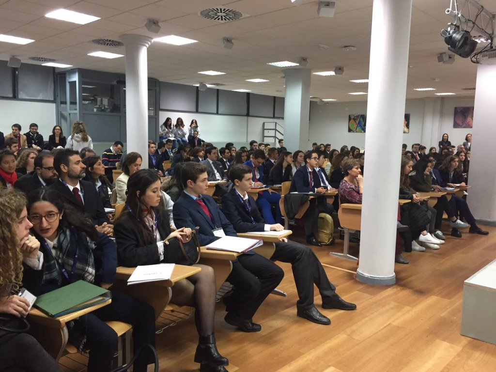 Alumnos participantes en la Liga de Debate