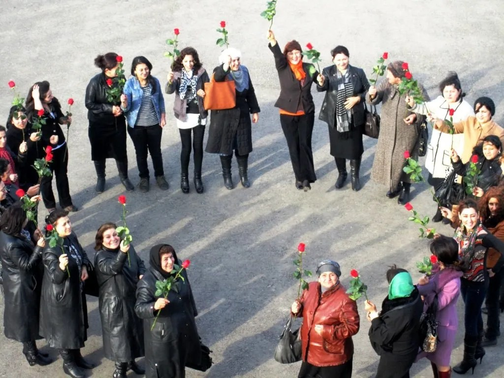 For International Women's Day 2013, women from the Tartar region in Azerbaijan braved the cold to join in solidarity with the UN in advocating for effective responses to violence against women.