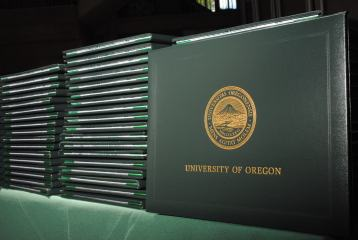 Photo: UO Diploma Cases