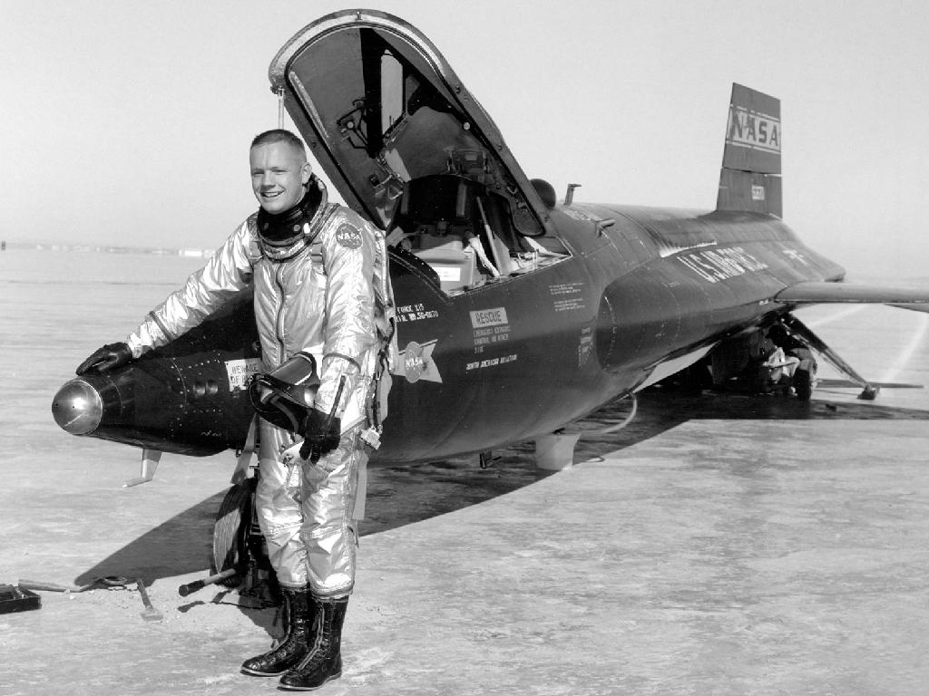 Neil Armstrong First Man On The Moon Dead At 82