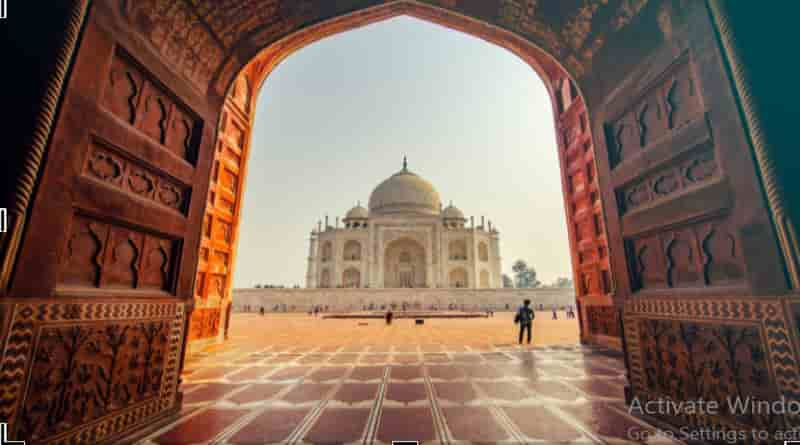 A Travel Guide to Explore India in A Better Way