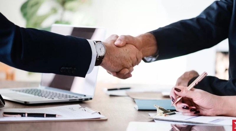 5 Major Advantages Of Working With Business Lawyers
