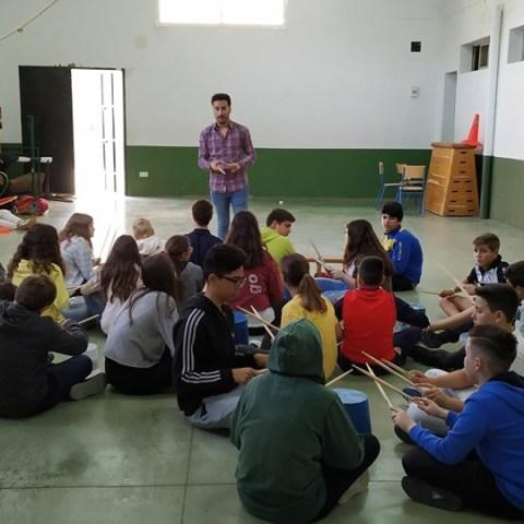 Actividad artística en la asignatura de música con los alumnos de la ESO