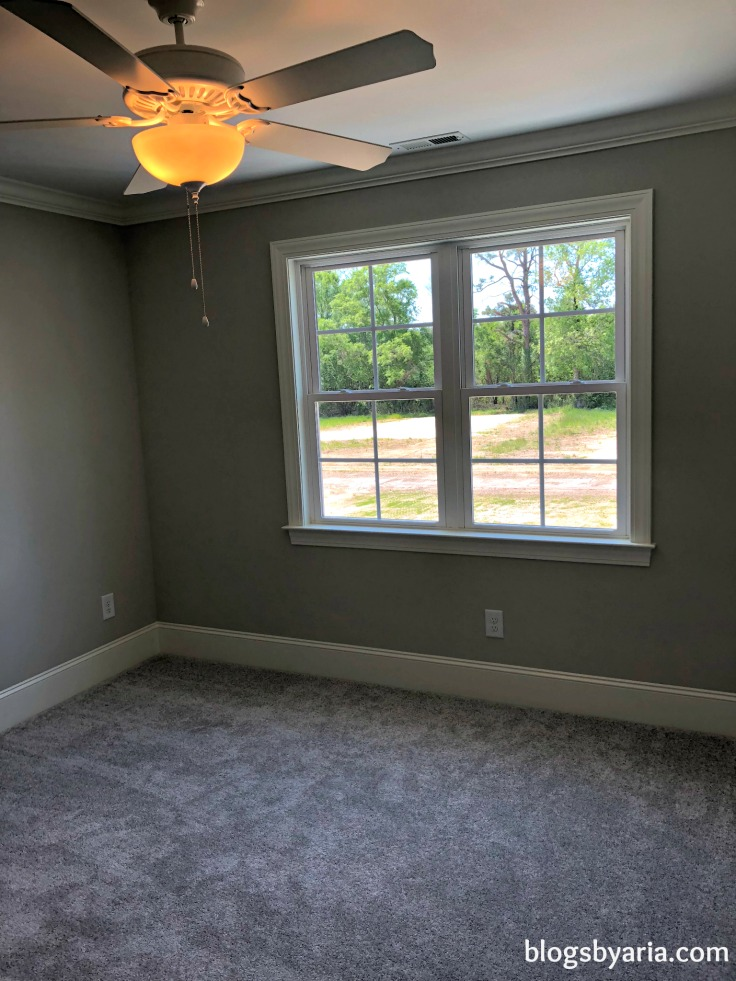 good size windows for guest bedroom