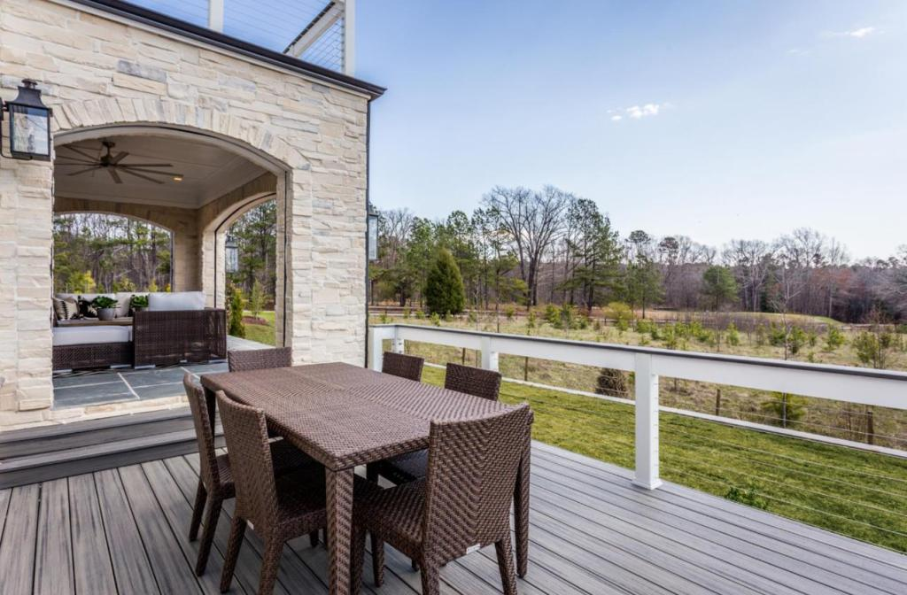 outdoor dining room on deck