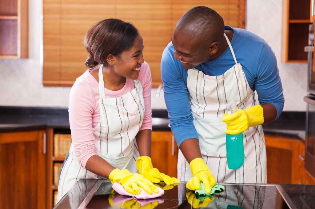 Cleaning Together - enlist help from your family to keep the house clean, don't let it all fall on you #cleaningtips