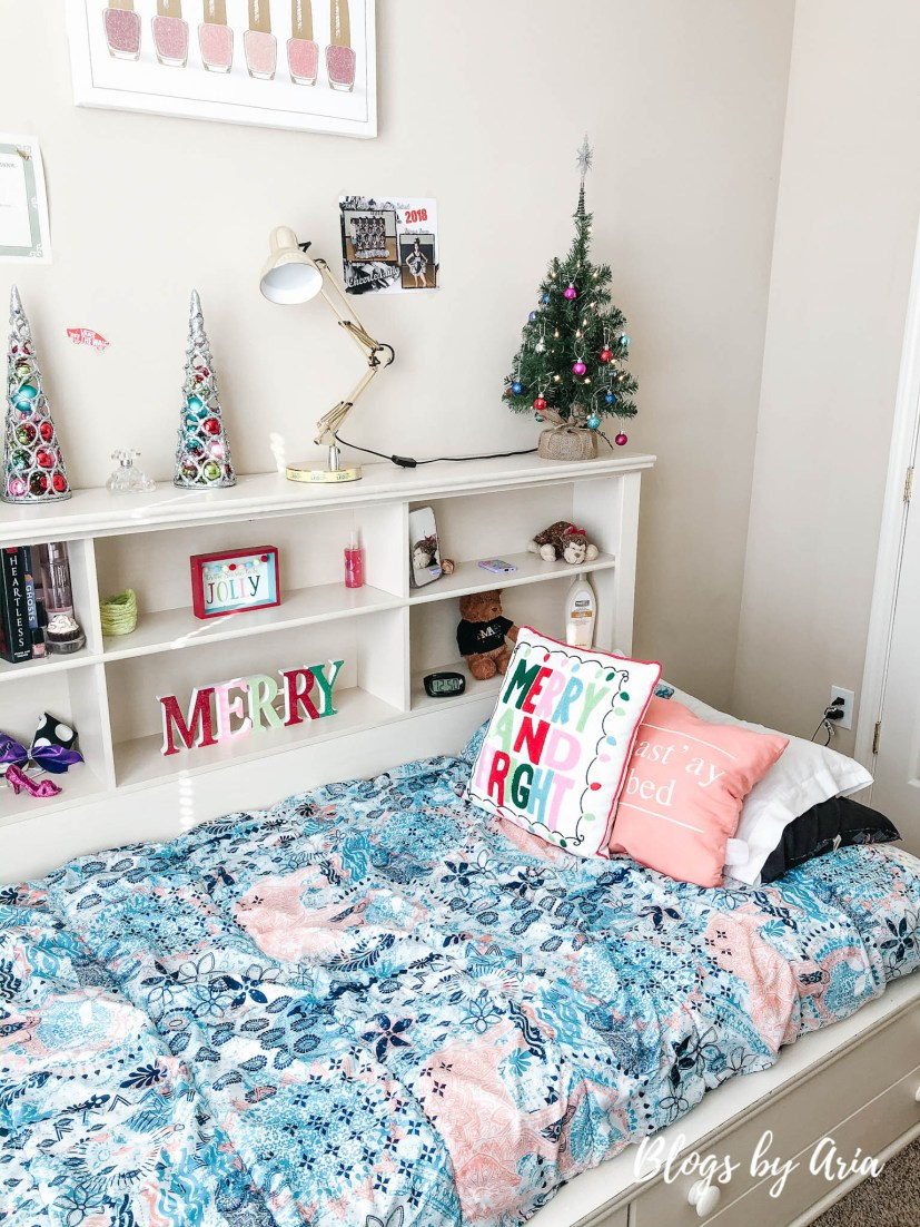 merry and bright kids bedroom decorations