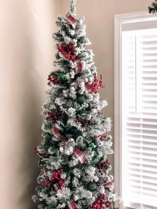 Weekend Ramblings – Christmas Decorating, Pottery Barn Favorites and More