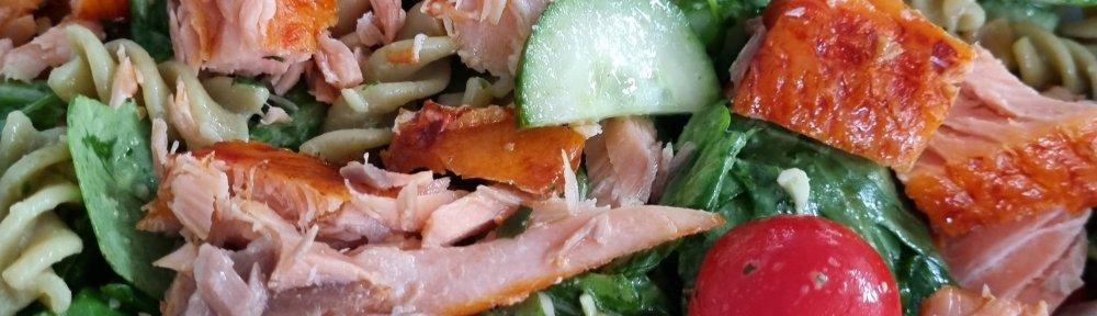 Blogsbyingrid Pastasalade met gerookte zalm en pestospread