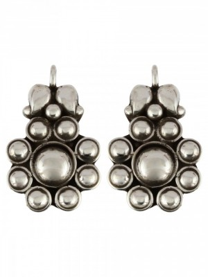 144041868440033660-traditional-south-indian-flower-silver-earring