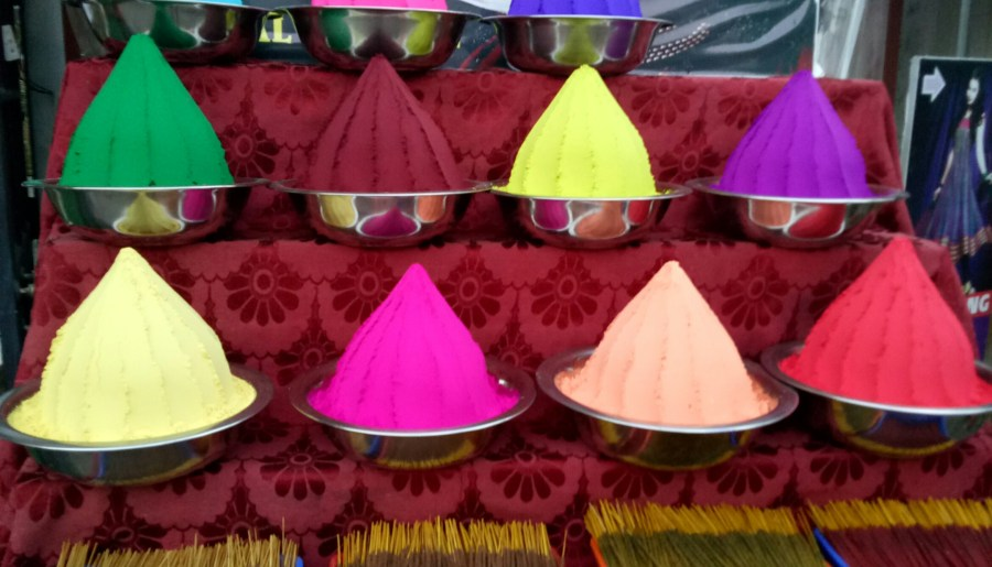 Celebrate Holi festival with homemade organic Colors in 2018
