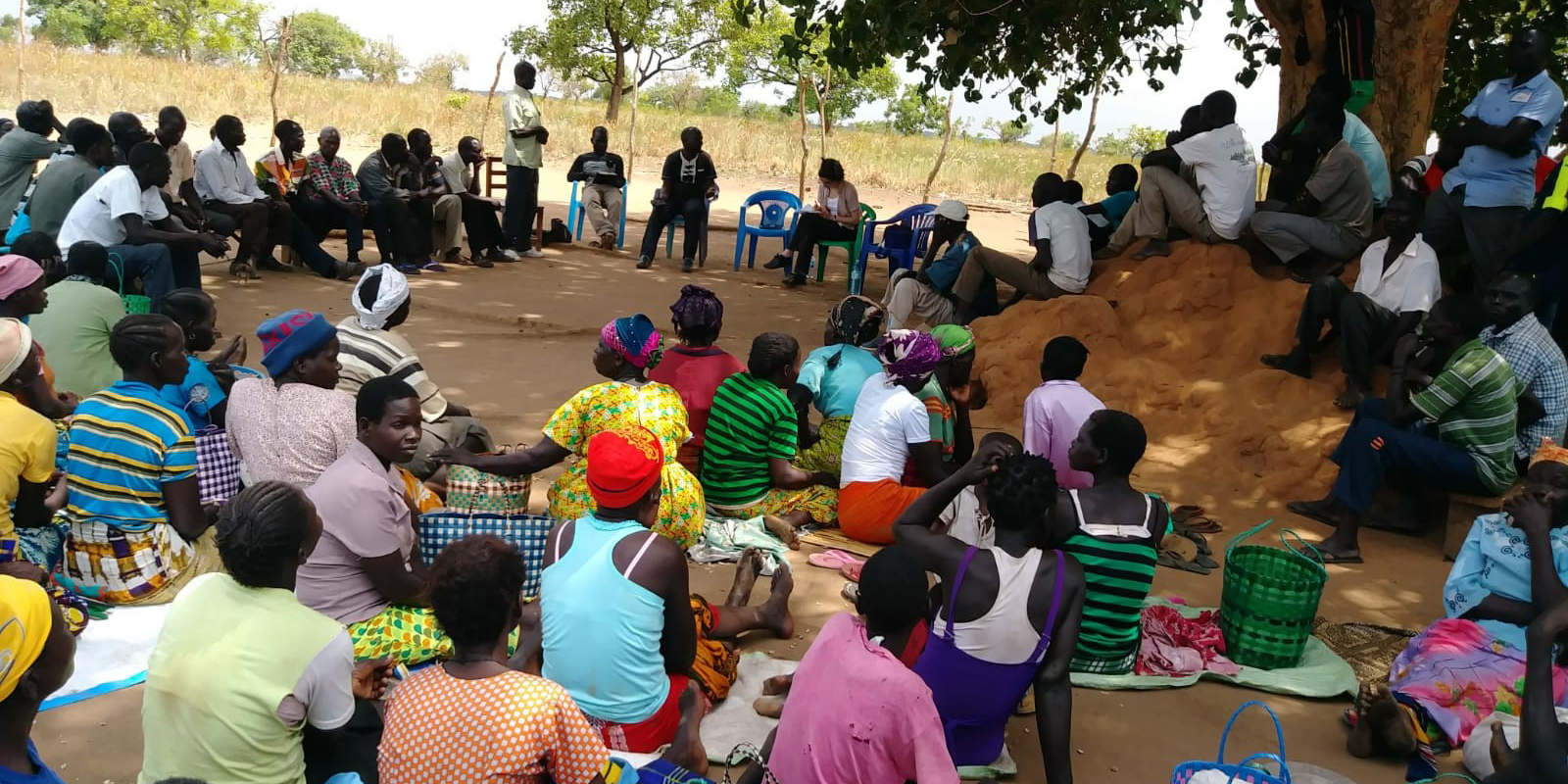 Community meeting Pwunu Dyang, Uganda